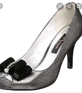 Nina - peep toe shoes